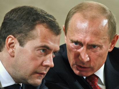 Putin, Medvedev see Arab unrest as peril to Russia and West