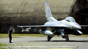 Turkey scrambles F-16 jets on Syria border