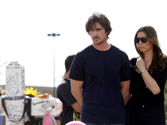 Batman actor Christian Bale visits Aurora, Colo., shooting victims