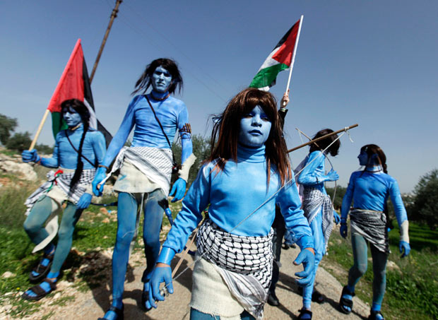 Israeli troops, Palestinian protesters clash at Golan Heights frontier