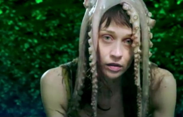 Fiona Apple facing up to 10 years in jail over Texas marijuana bust