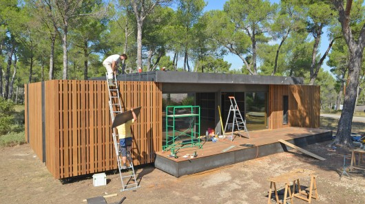 Sustainable home can be built in four days using only a screwdriver