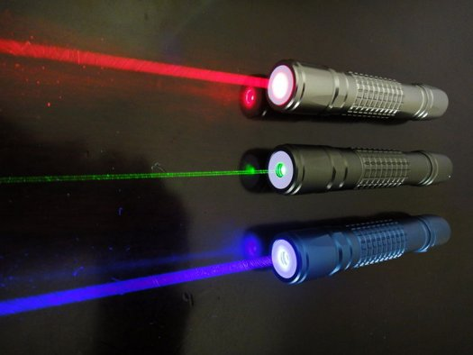 High-Speed Data Link Made from Laser Pointers Works Where Wi-Fi Won't