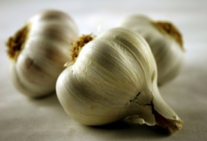 Scientists: Garlic Fights Common Illness Better than Antibiotics
