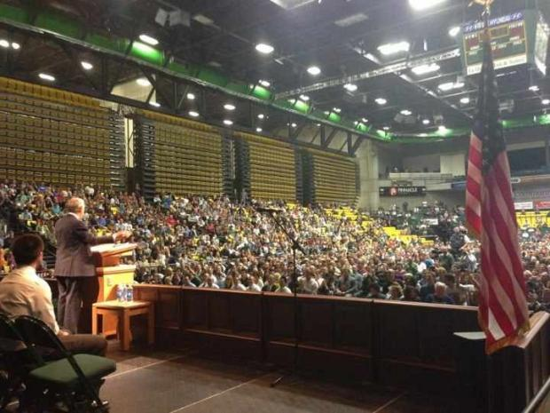 Video: Dr. Ron Paul In Utah Huge Ovation! 4,200 Attending!