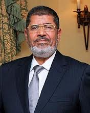 Morsi returns to secretive ways, say critics
