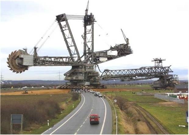 WORLD'S BIGGEST EXCAVATOR Built KRUPP Germany 45500 tons 95 meters high 215 meters long