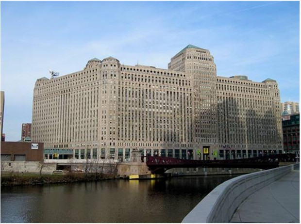 WORLD'S LARGEST OFFICE COMPLEX Chicago Merchandise Mart Illinois USA