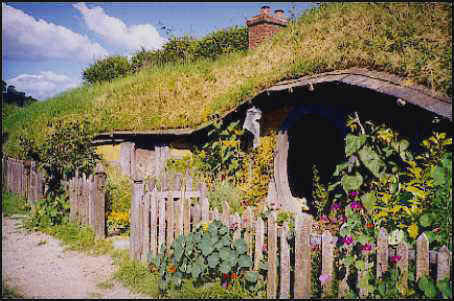 Hand build an earth sheltered house for 5 000 for How to build an earth sheltered home