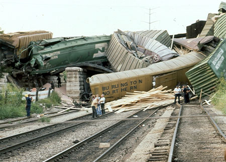 [Image: 090-1120104623-train-wreck-1.jpg]