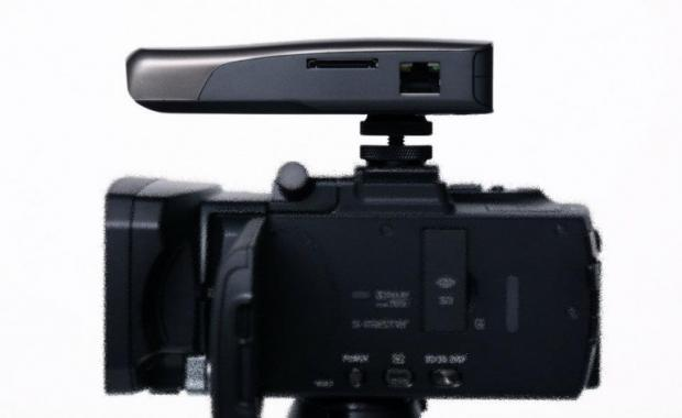 Camcorder device allows for live, computer-free video streaming