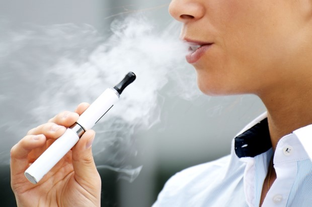 Chicago bans indoor electronic cigarette smoking