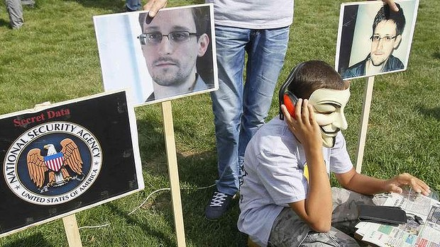 German Lawmakers Offer Edward Snowden Conditional Asylum (VIDEO)