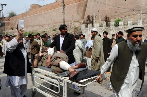 Bomb blast targets Pakistan funeral