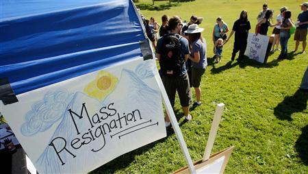 Mormons quit church in mass resignation ceremony