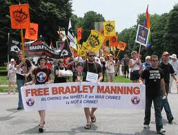 'Do the Right Thing': World Rallies Behind Bradley Manning
