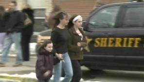 Gunman kills one, injures four in Ohio school shooting