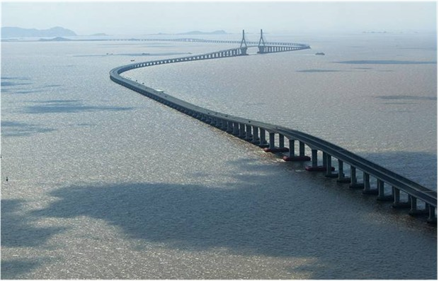 WORLD'S LONGEST BRIDGE CHINA Donghai Bridge China 32.5 kilometers 20.19 miles