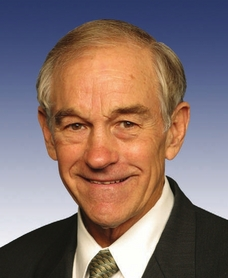 Ron Paul talks to volunteers gathered hours before the main event in Iowa June 30th 2007 - (Video)