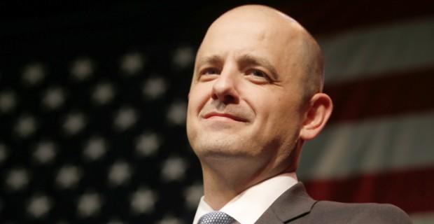 "Ex-CIA Agent Evan McMullin: Donald Trump is a ""Domestic Enemy"""